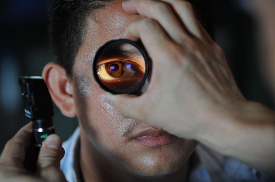 Tout savoir sur le métier d'un ophtalmologiste