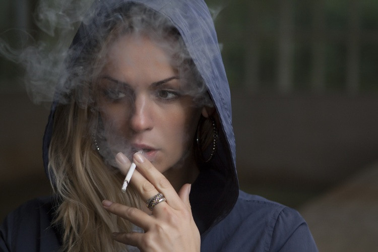 Non, fumer ne vous fera pas maigrir