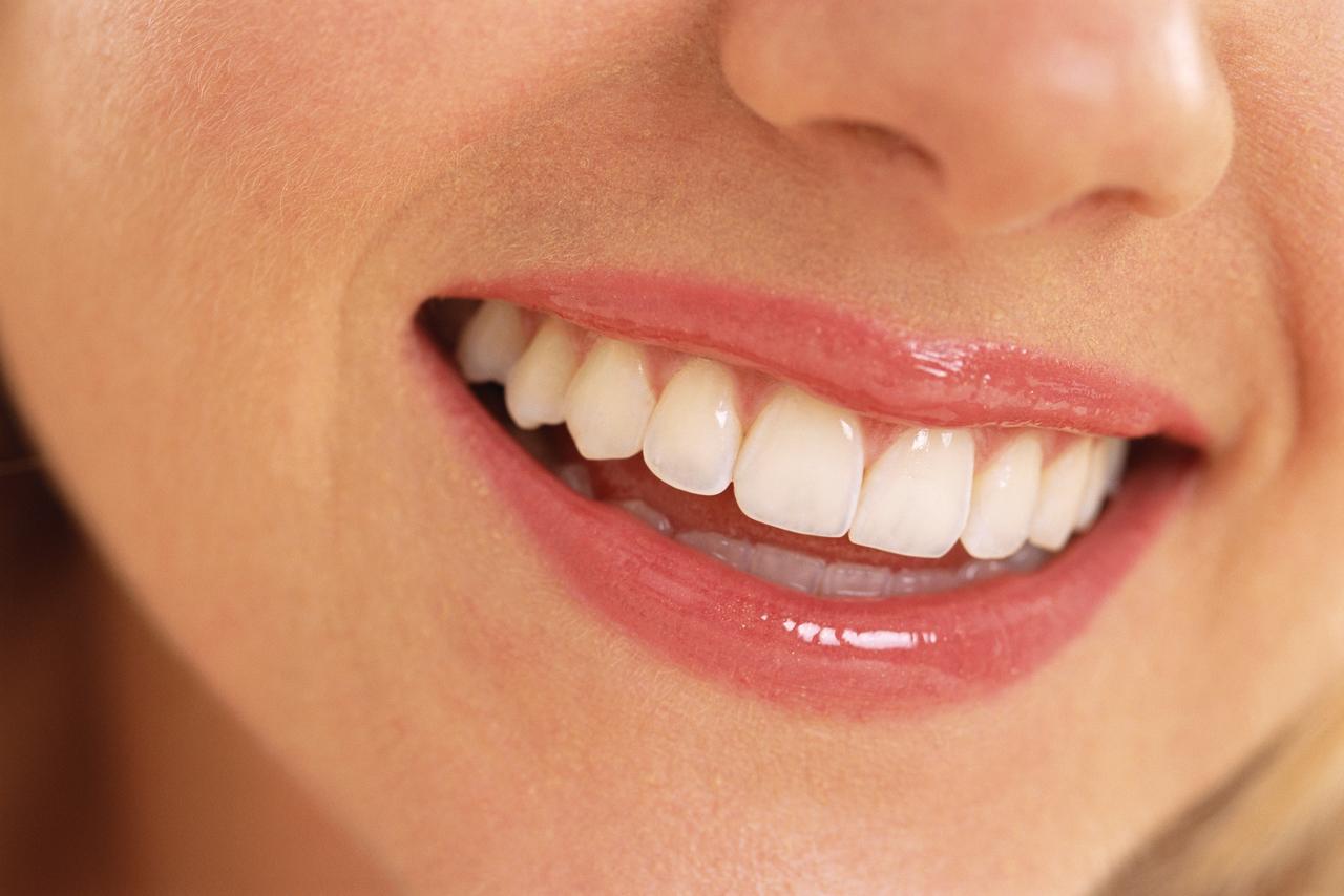 L'huile de coco pour des dents naturellement plus blanches