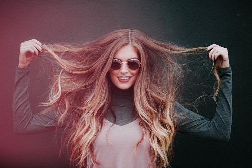 Gagner en longueur avec les extensions de cheveux