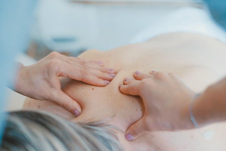 L'ostéopathie pour traiter les maux de dos