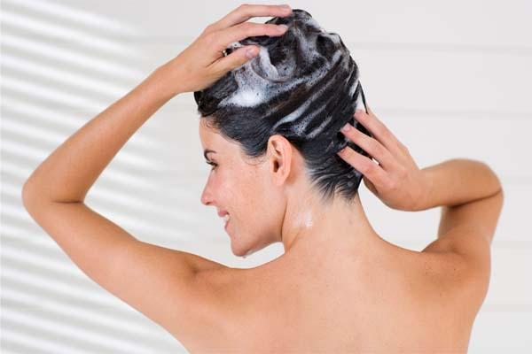 Shampooing bio et un shampooing classique: la différence