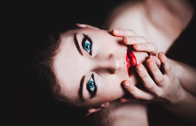 Découvrez des astuces de maquillage Younique simples et pratiques !