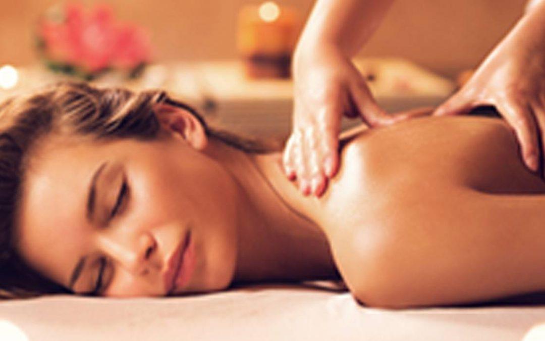 Comment réaliser un massage relaxant sur quelqu'un ?